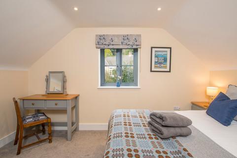 _DSC4827_4  bedroom.jpg