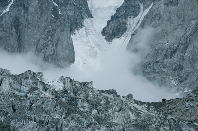 The ice breathes upon the glacier