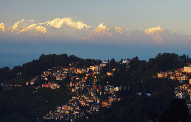 Darjeeling town and the magnificent Kanchenjunga in the background