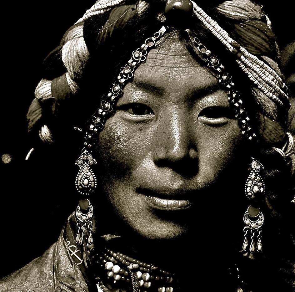 Abohors Matron - Nup Gong La (Western Gate Pass), Tibet