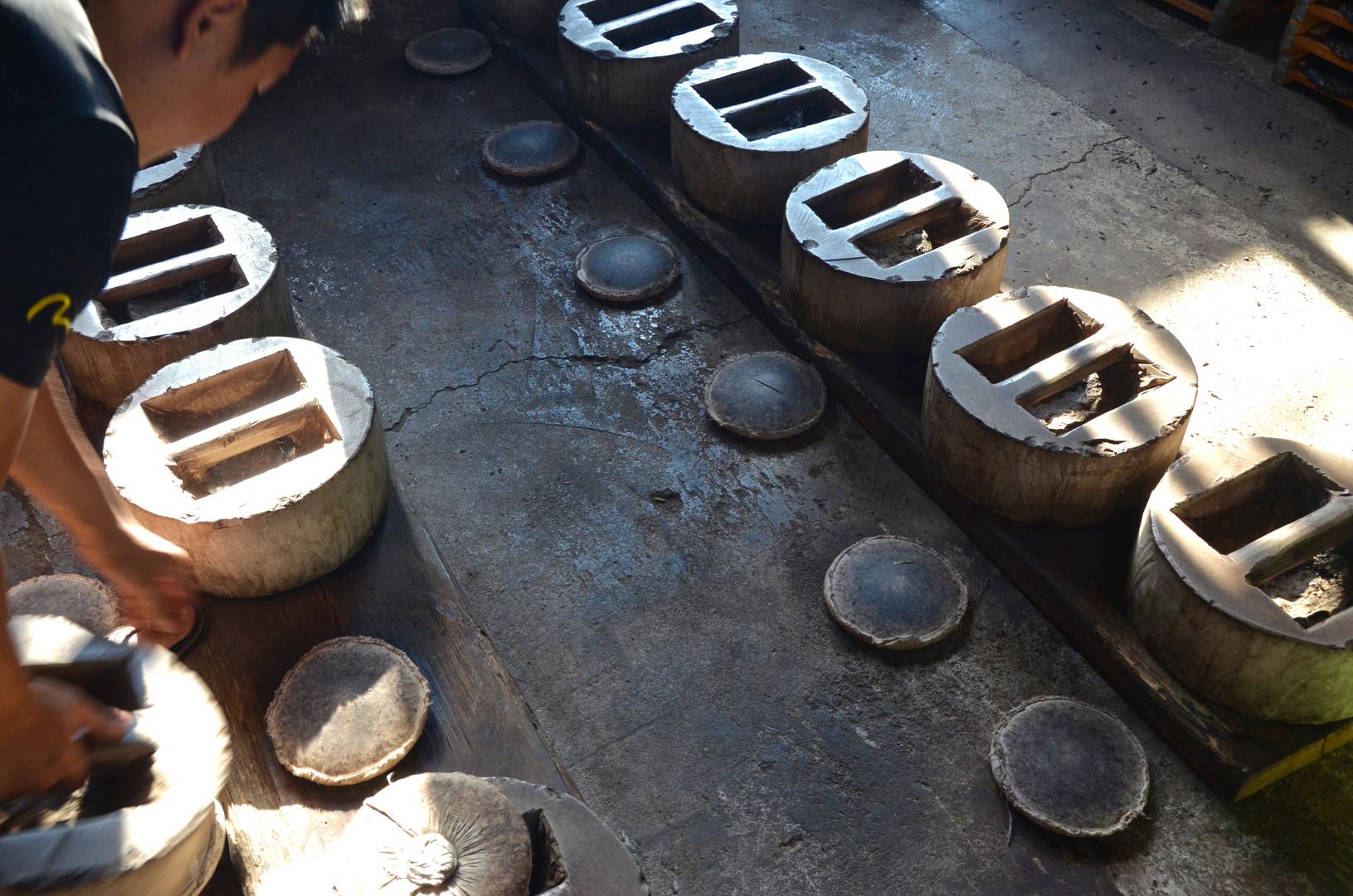 Puerh Cake 'Compressors' - Xishuangbanna, Yunnan