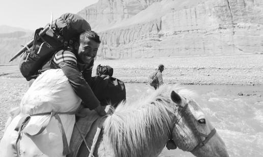 Kiran Rides, Kiran Clings