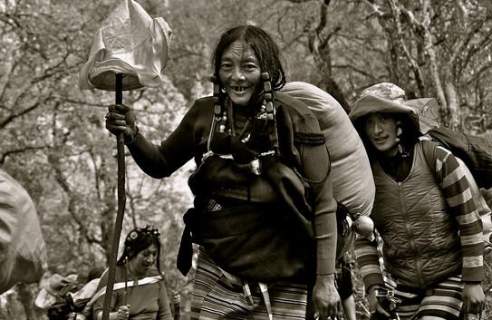 Passage - Nomadic Women - Kawa Karpo, Yunnan