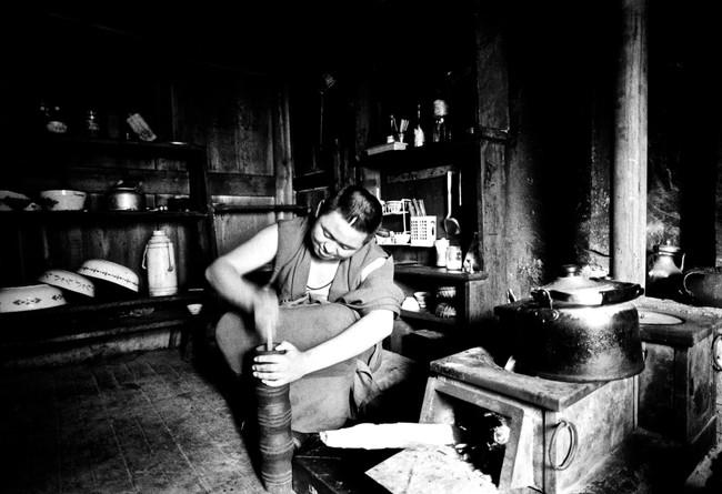 Butter Tea Time - Gyal'thang (Shangrila), Yunnan