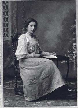 Elsie Bygrave aged 21.jpg