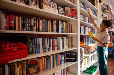 bookshelf full (1).jpg