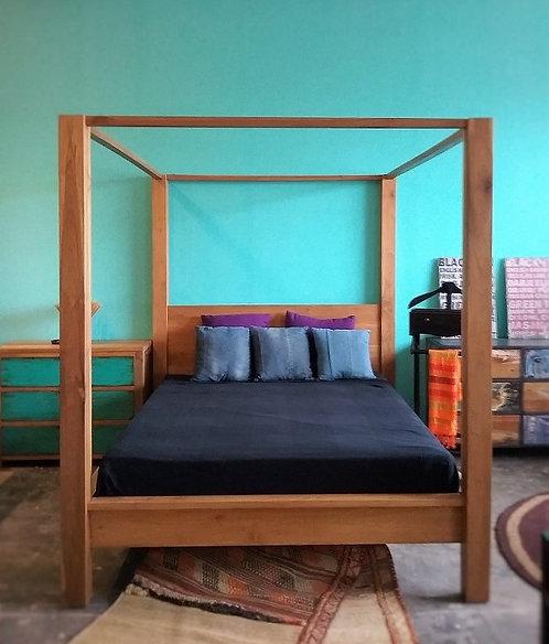 Mono Post Bed