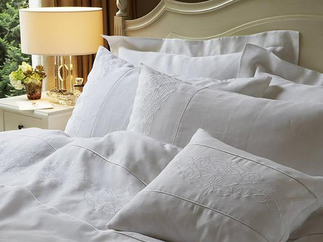 Decorating: 11 Reasons to Choose White Bedding