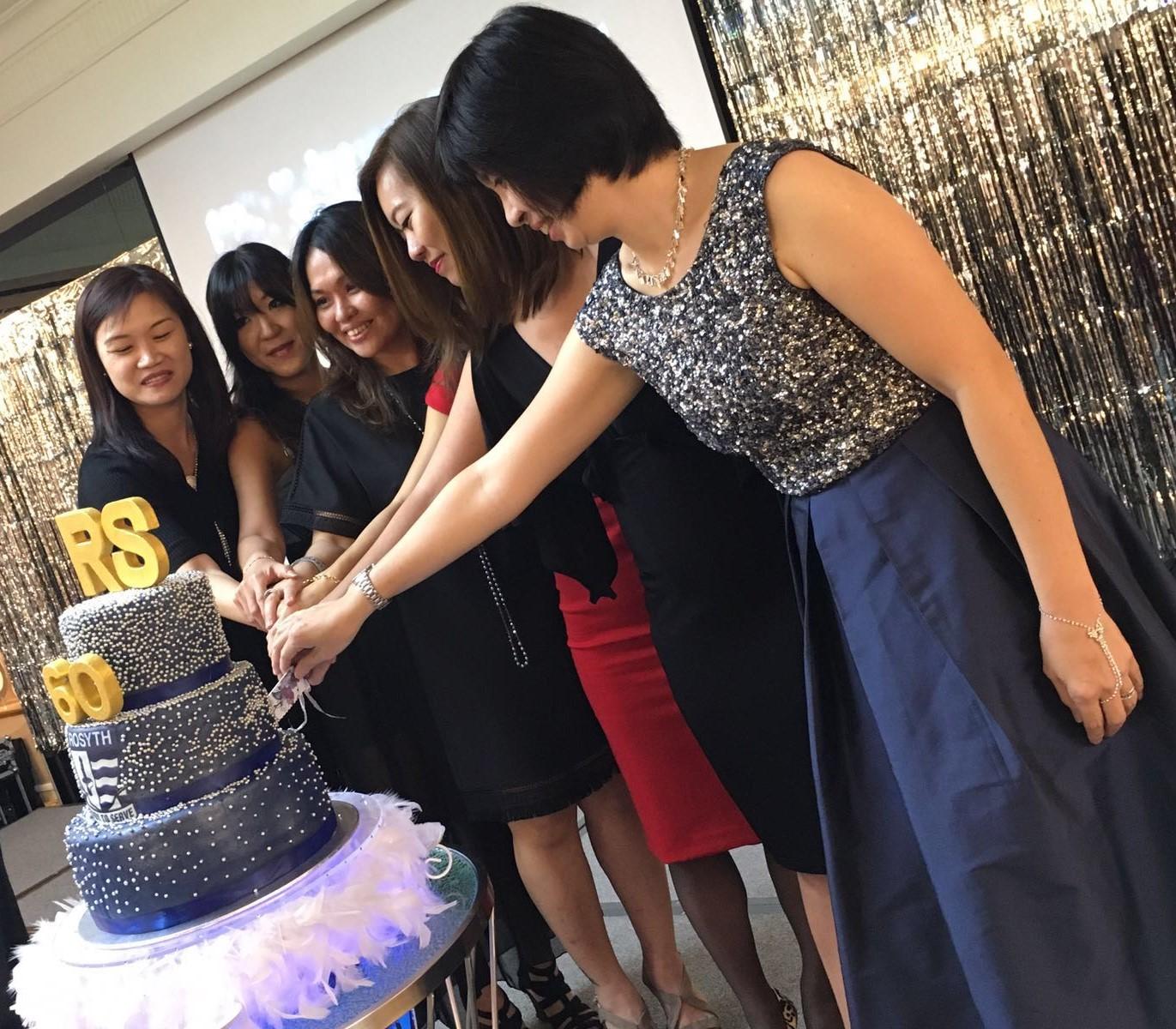 cake cutting 3