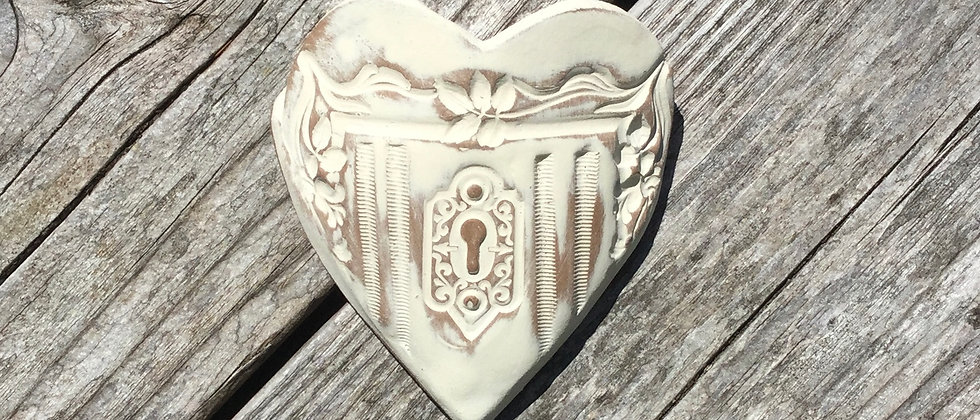 Susan Wheeler Large Wall Pocket Heart #9