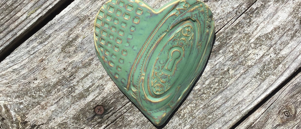 Susan Wheeler Large Wall Pocket Heart #14