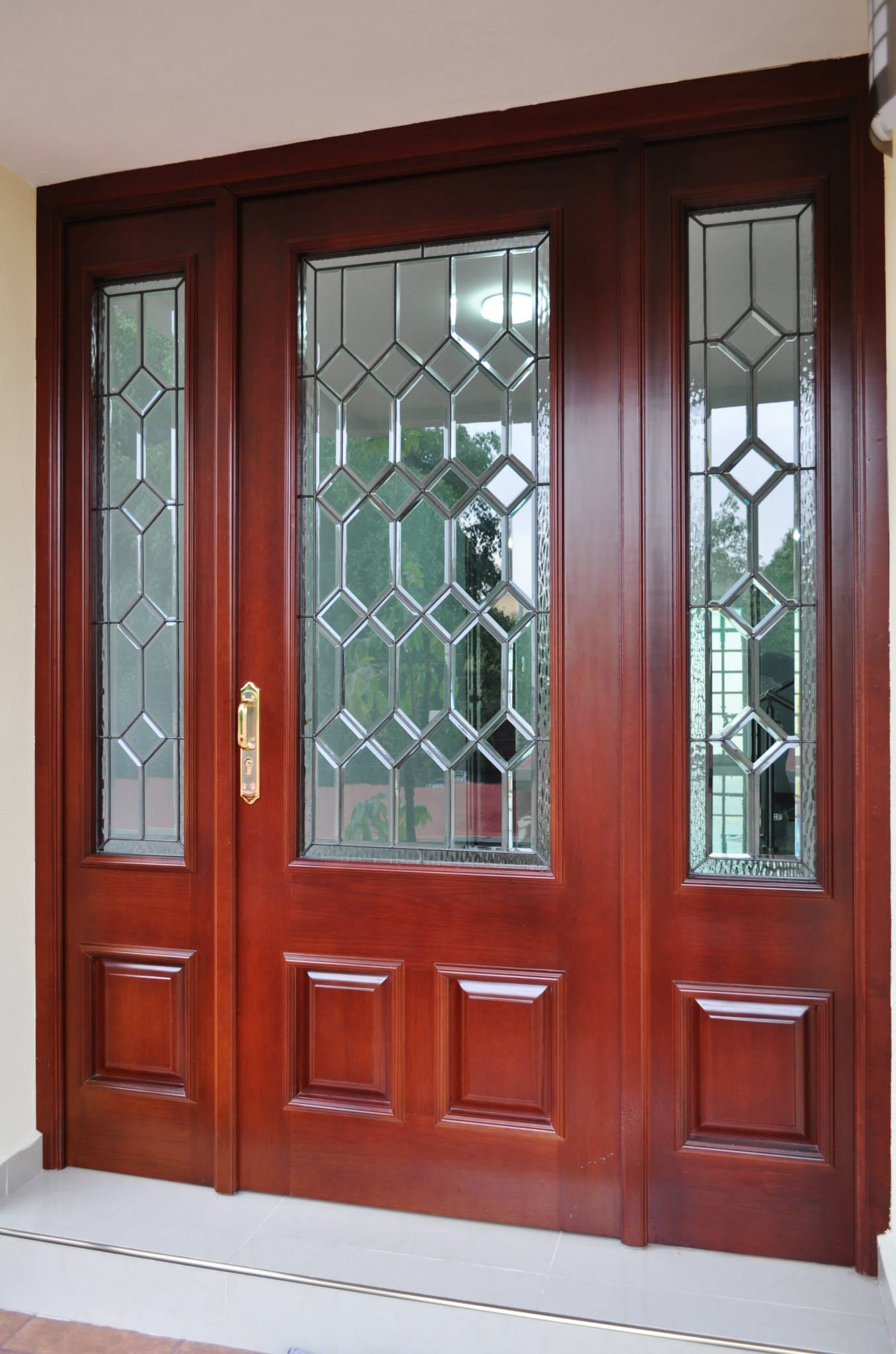 Puerta de acceso madera