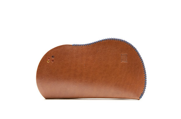 Vegetable tanned leather sleeve (wide)