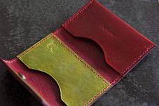 HAND-DYED VEGETABLE TANNED LEATHER CARD CASE