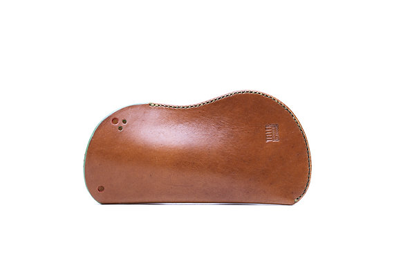 Vegetable tanned leather sleeve (standard)