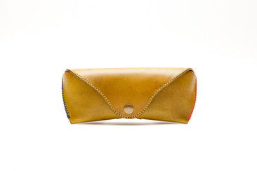 HAND-DYED VEGETABLE TANNED LEATHER EYEGLASSES CASE