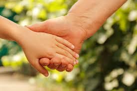 Adopter une attitude bienveillante envers  l'enfant.