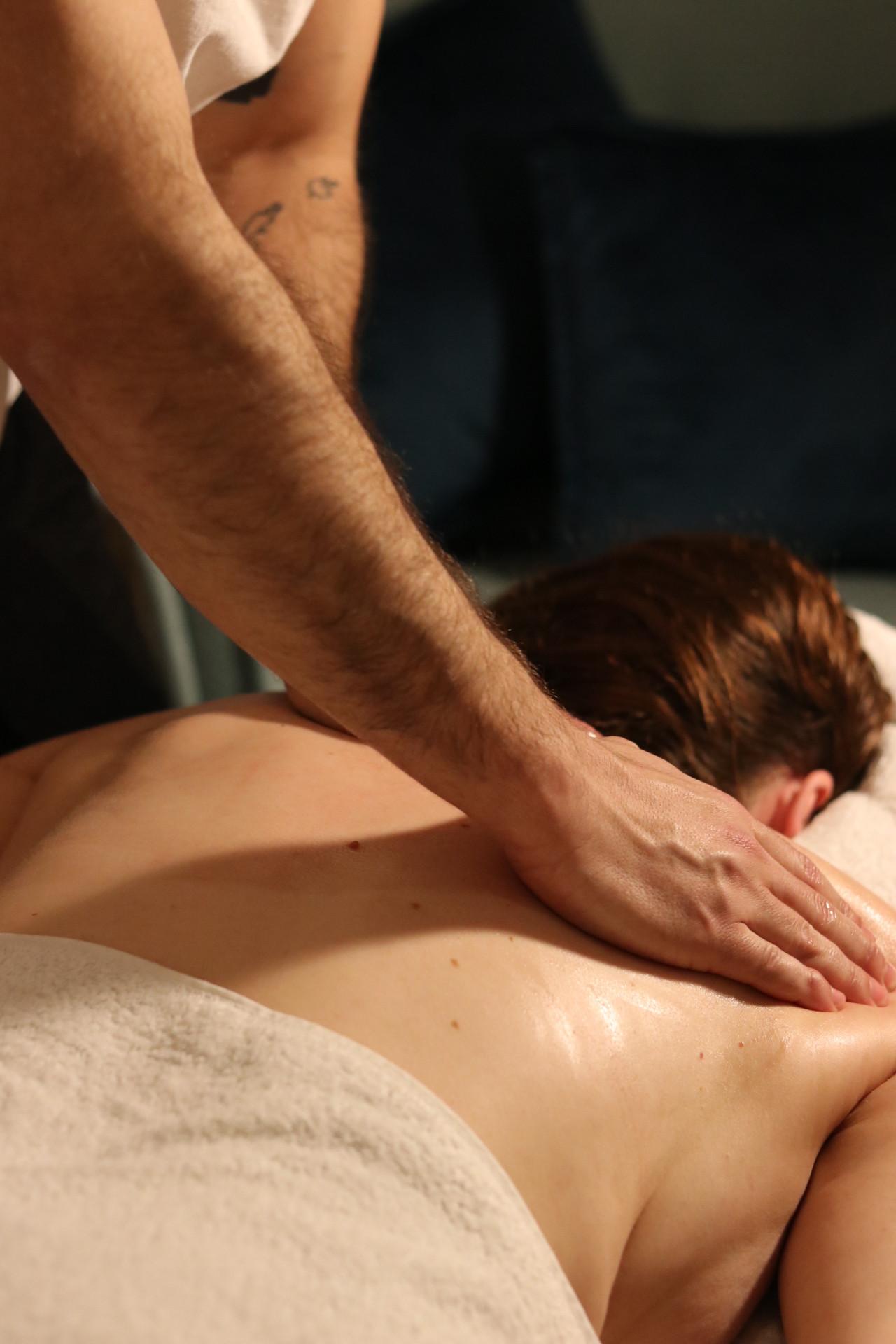 90 minutes Full Body Holistic Massage