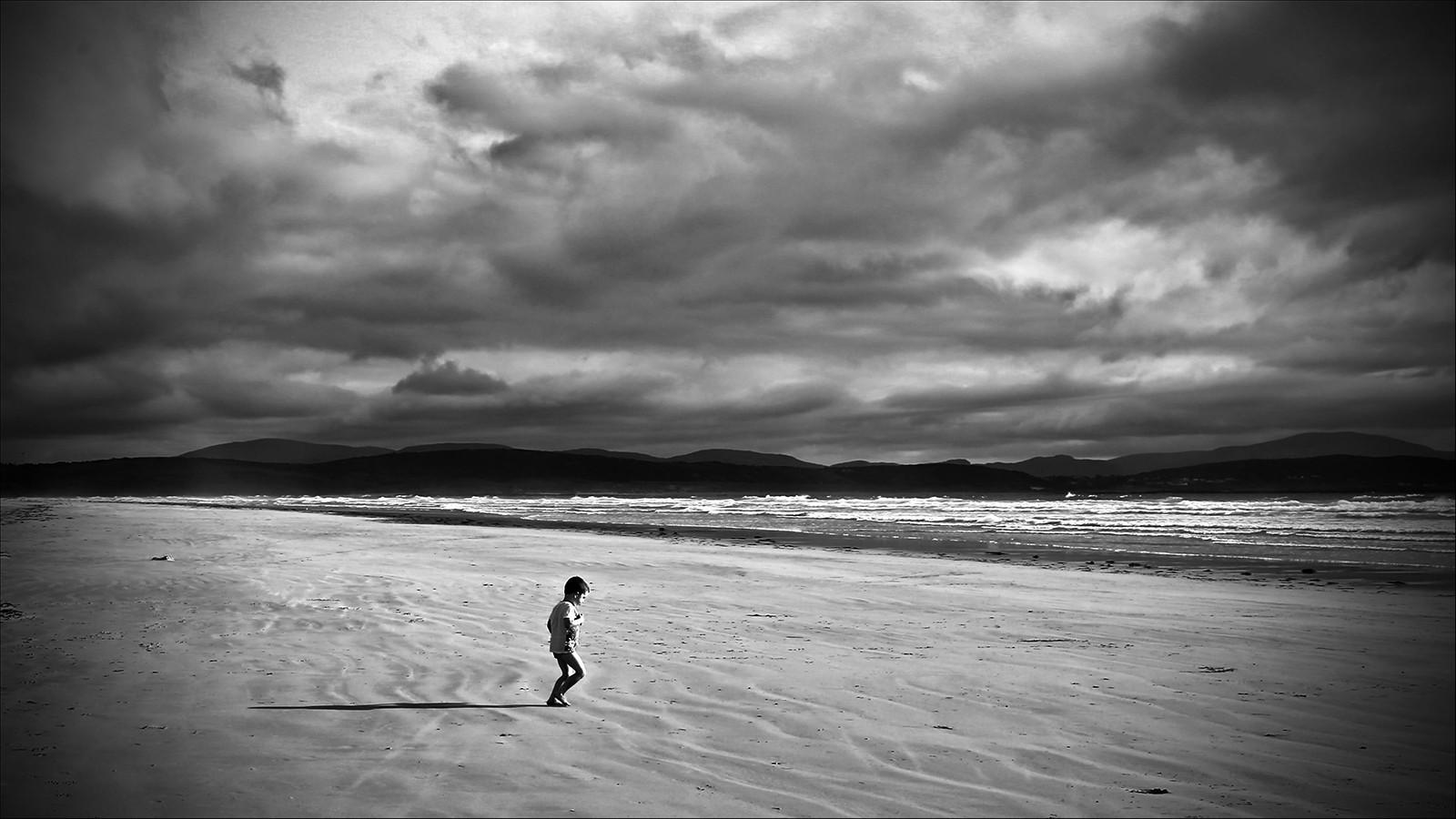 MONO - Beach Commer by Desi McPhillips (10 marks)