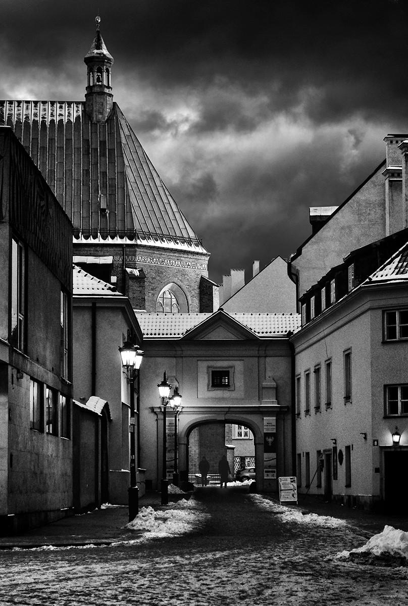 MONO - Warsaw Nights by Martin Courtney (10 marks)