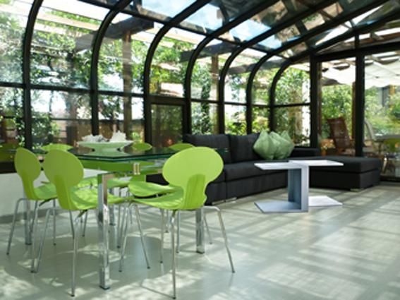 tavolo-divano-veranda-terrazza