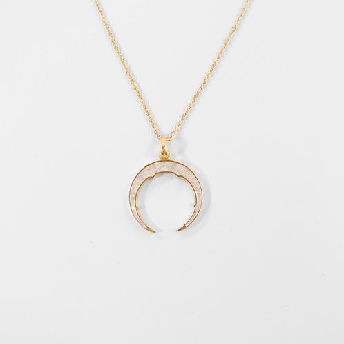 Neve Pendant Necklace