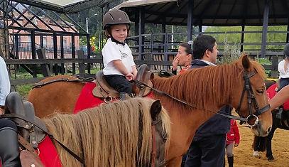 Clases de Equitación para niños y principiantes