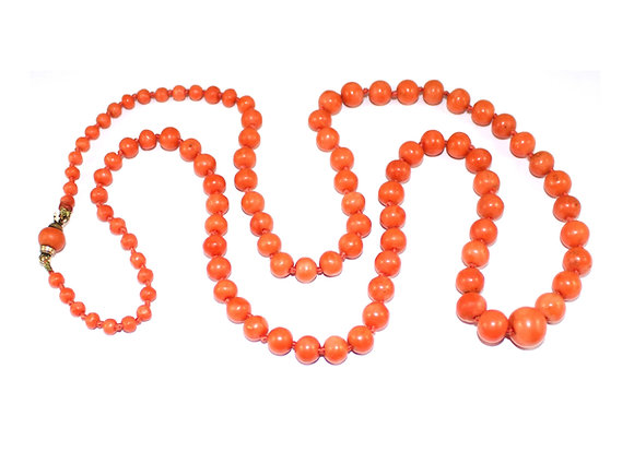 Art Deco Coral Bead Necklace