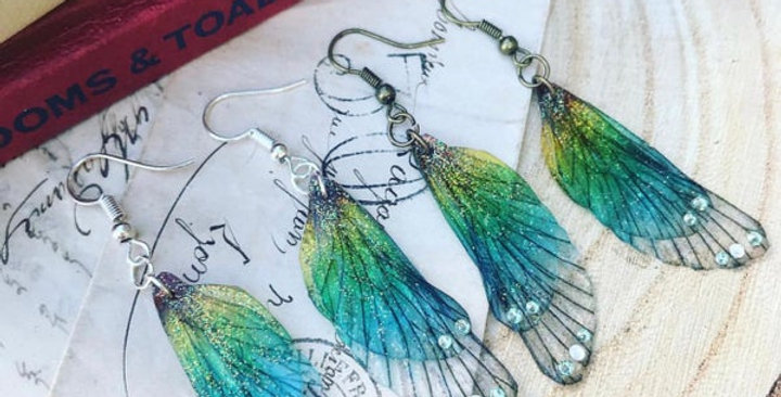 Small Rainbow wing earrings in silver finish
