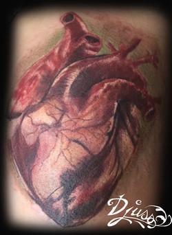 Image tattoo coeur realiste tattoo