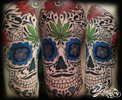 tatouage-crane-mexicain-feuille-pot