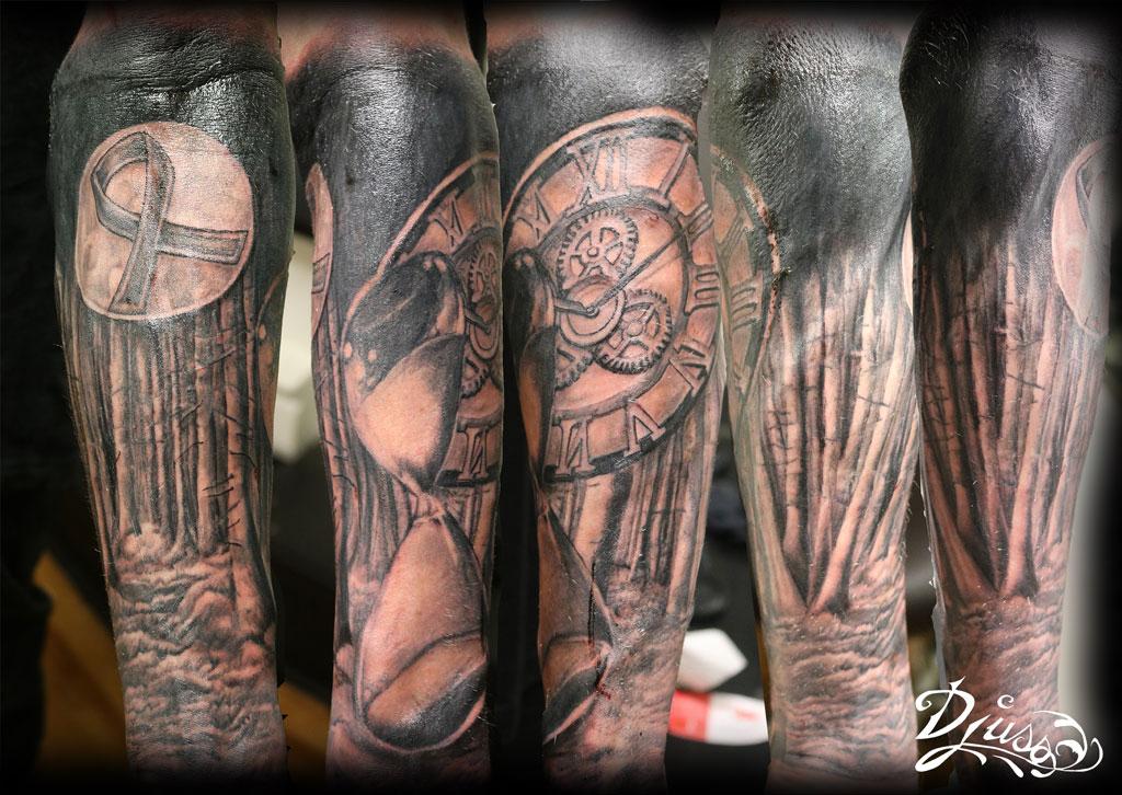 Tatouage demie-manche Horloge