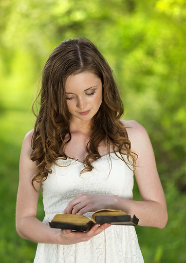 graphicstock-beautiful-woman-with-bible-