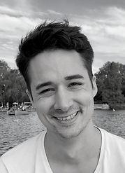 Adam lektor na firemnú výučbu a individuálne hodiny