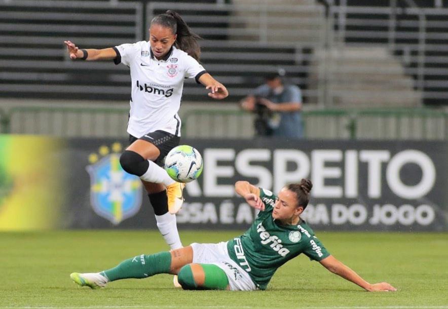 As jogadores de Palmeiras e Corinthians fizeram um jogo bem disputado, neste domingo (8), no Allianz Parque. Porém, nenhuma das equipes saiu com a vitória.