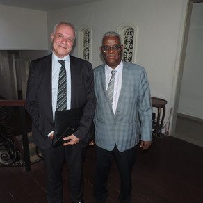 O Embaixador Yalew recebeu o Embaixador Luiz Eduardo em Brasília