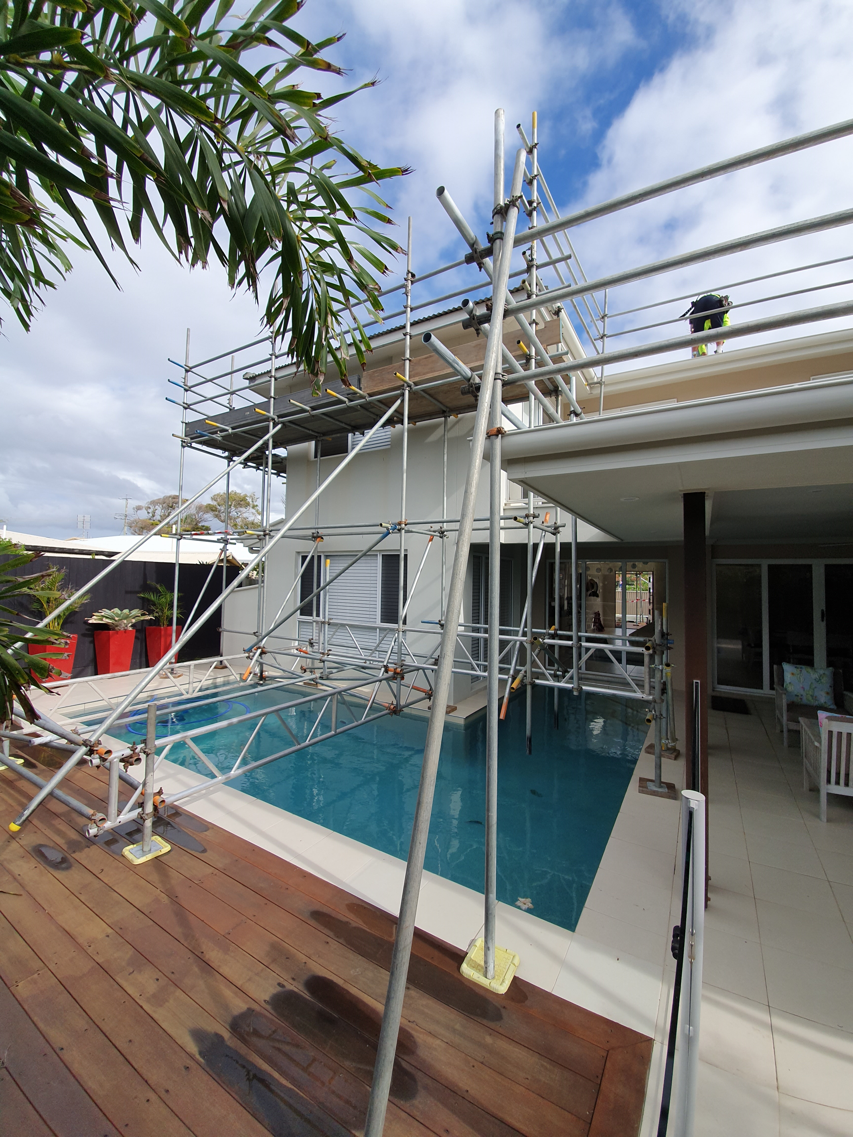 Scaffold Roof Edge Protection
