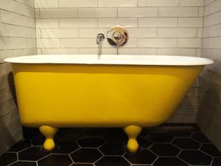 Le bain jaune - mon premier contrat