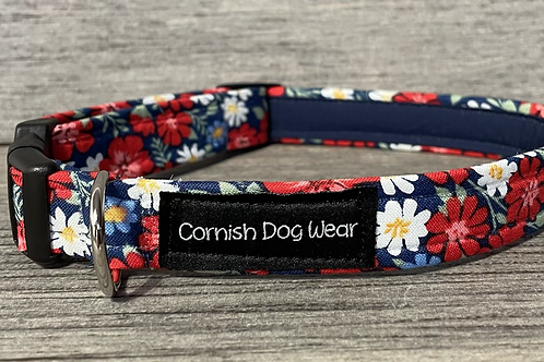 Red and White Blossoms dog collar