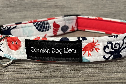By the seaside dog collar