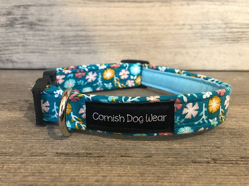 Flowers On Turquoise Dog Collar
