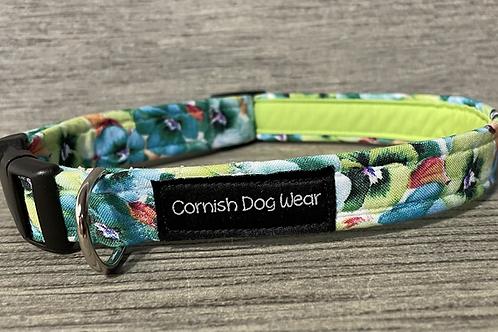 Pansy dog collar