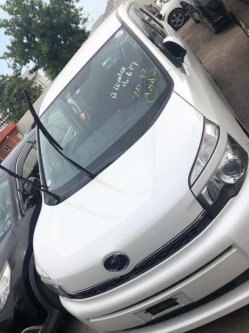 Toyota Voxy 2011 White