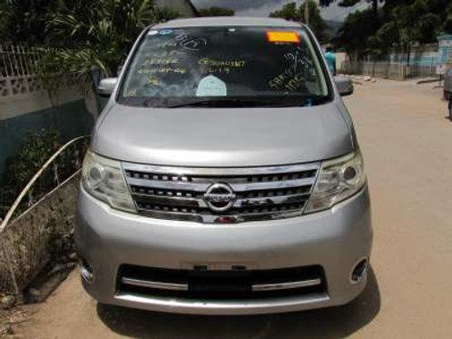 Nissan Serena Silver 2010