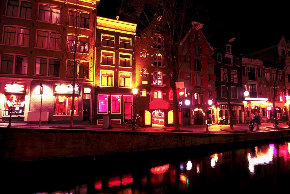 Visitez, le temps d'un run, le plus fameux quartier d'Amsterdam.