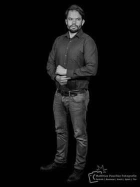 PortraitFotografie-Schwarz-Weiß-Bild-3.j