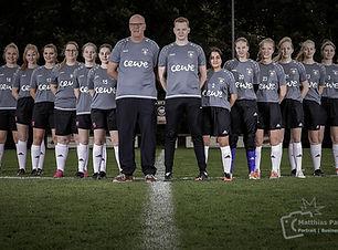 Mannschaftsfoto-Frauenfussball-in-oldenb