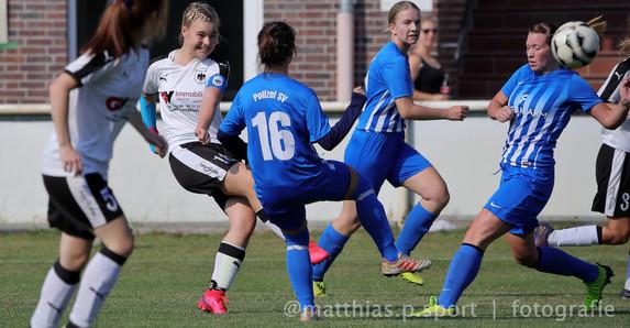 Frauenfussball-in-oldenburg-6.jpg