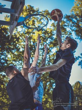 Basketball-Sprung-Dunk