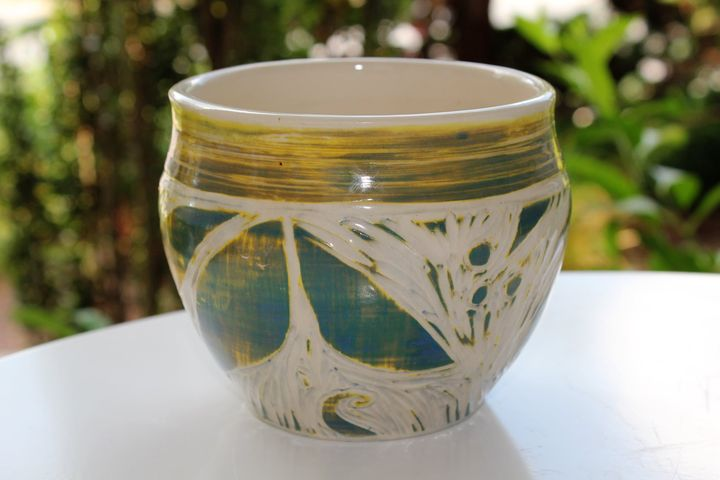 Layered glazes and sgraffito